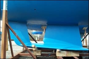 The tandem wing keel fitted to Westbound Adventurer